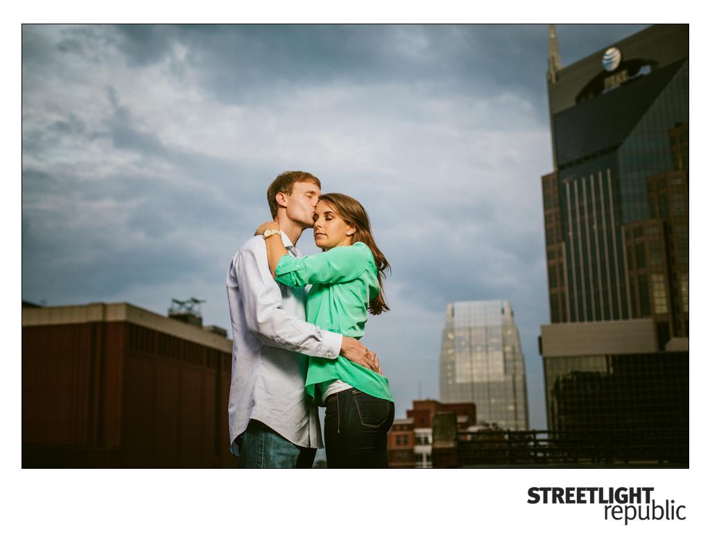 Downtown nashville Engagement Photos, streetlight republic