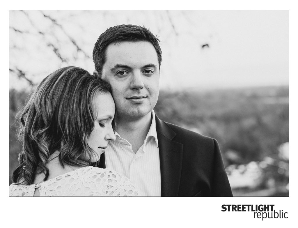 Downtown Arrington Vineyards Engagement Photos, streetlight republic