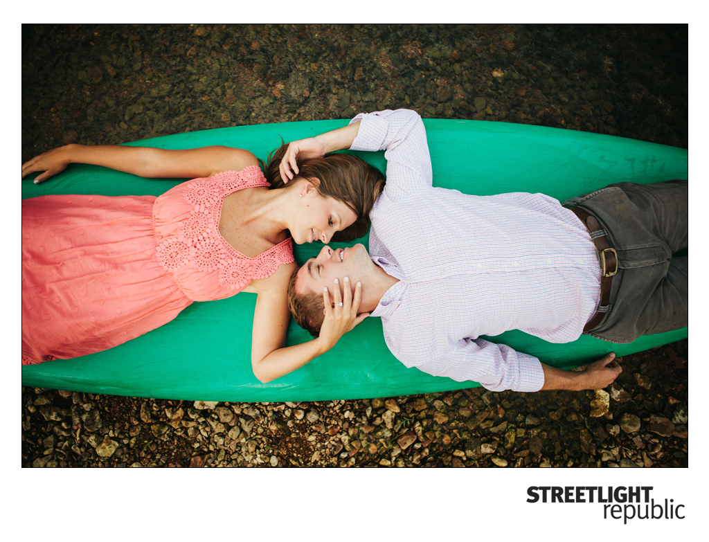 DowntowCanoe Engagement Photos, streetlight republic