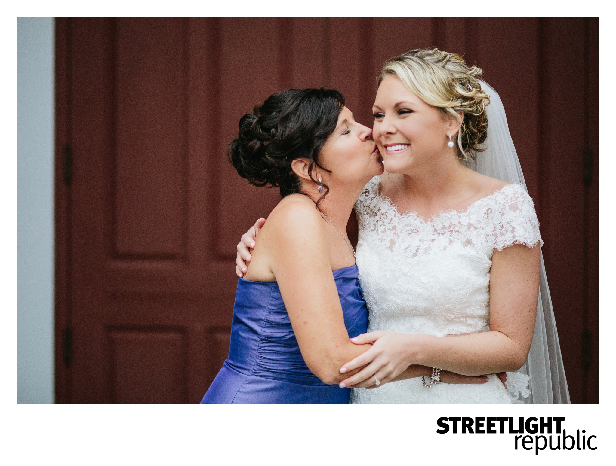Nashville Wedding Photographers Streetlight Republic, Houston Station Wedding Nashville