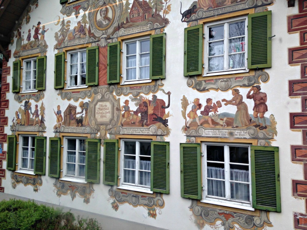 Hansel and Gretel Luftl painting in detail in Oberammergau