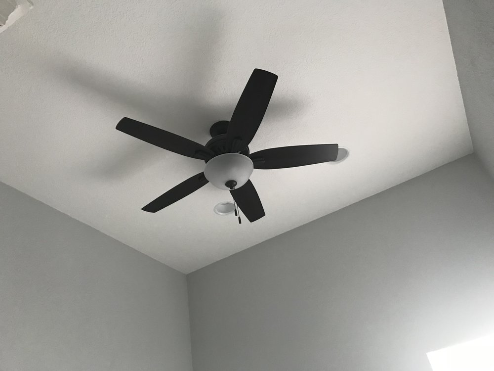 Ceiling fans and recessed lights in both bedrooms