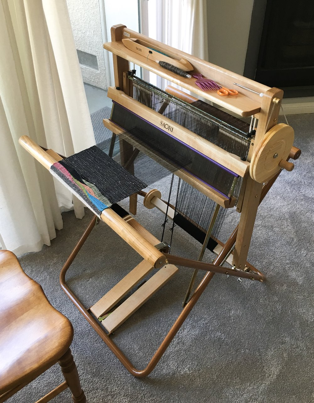 My new friend… - Here she is. In less than a week, I have already spent over 40 hours seated in front of this beautiful loom.