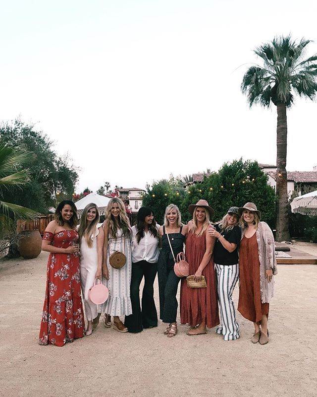 If you have never heard of the @nourishtheretreat you NEED to! It has been such a wonderful experience, with such a great community, and in a beautiful relaxing place! Getting together in community with women to share stories, tips, souls, and to lean on each other is a beautiful thing and that's what is happening at @nourishtheretreat 🙌🏽 If you've never been or don't know what it is i encourage you to click the link, because it really is awesome! @nourishtheretreat