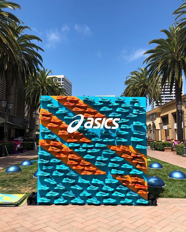 "Last weekend we got to work with @asics and did this installation of a shoe ""step"" and repeat backdrop 😜 see what I did there?!?! 👟"