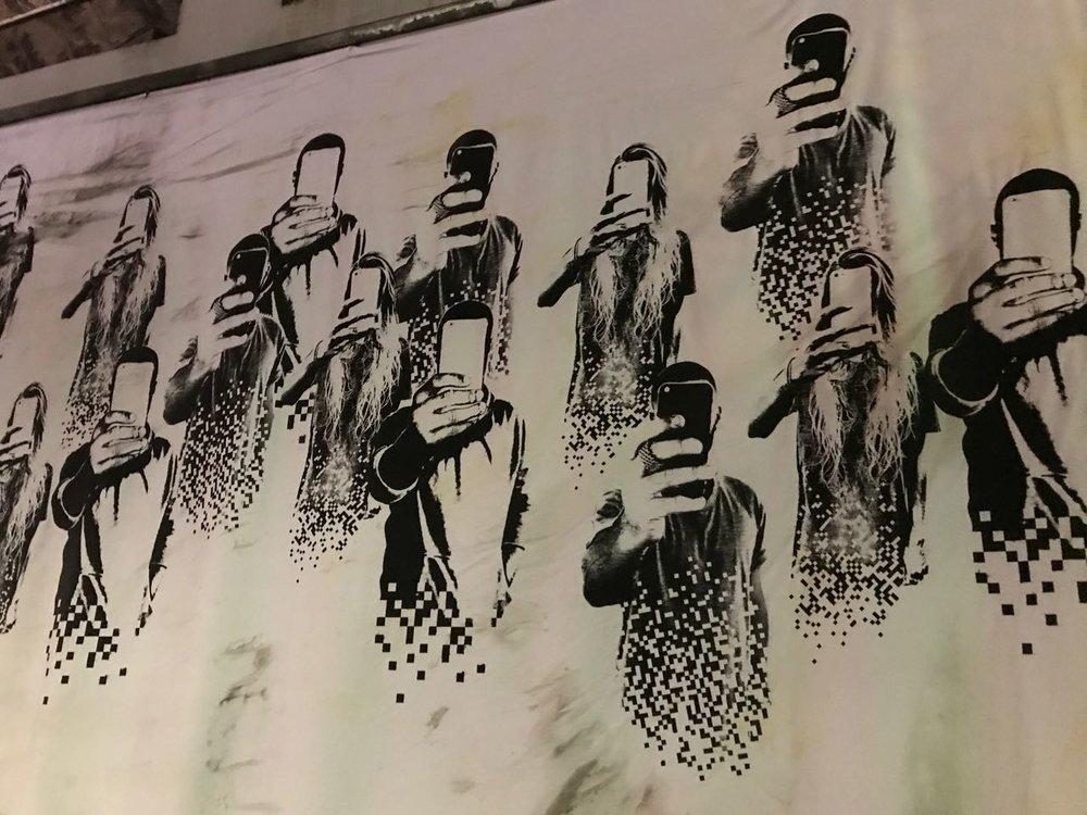 Selfie Street art.jpg