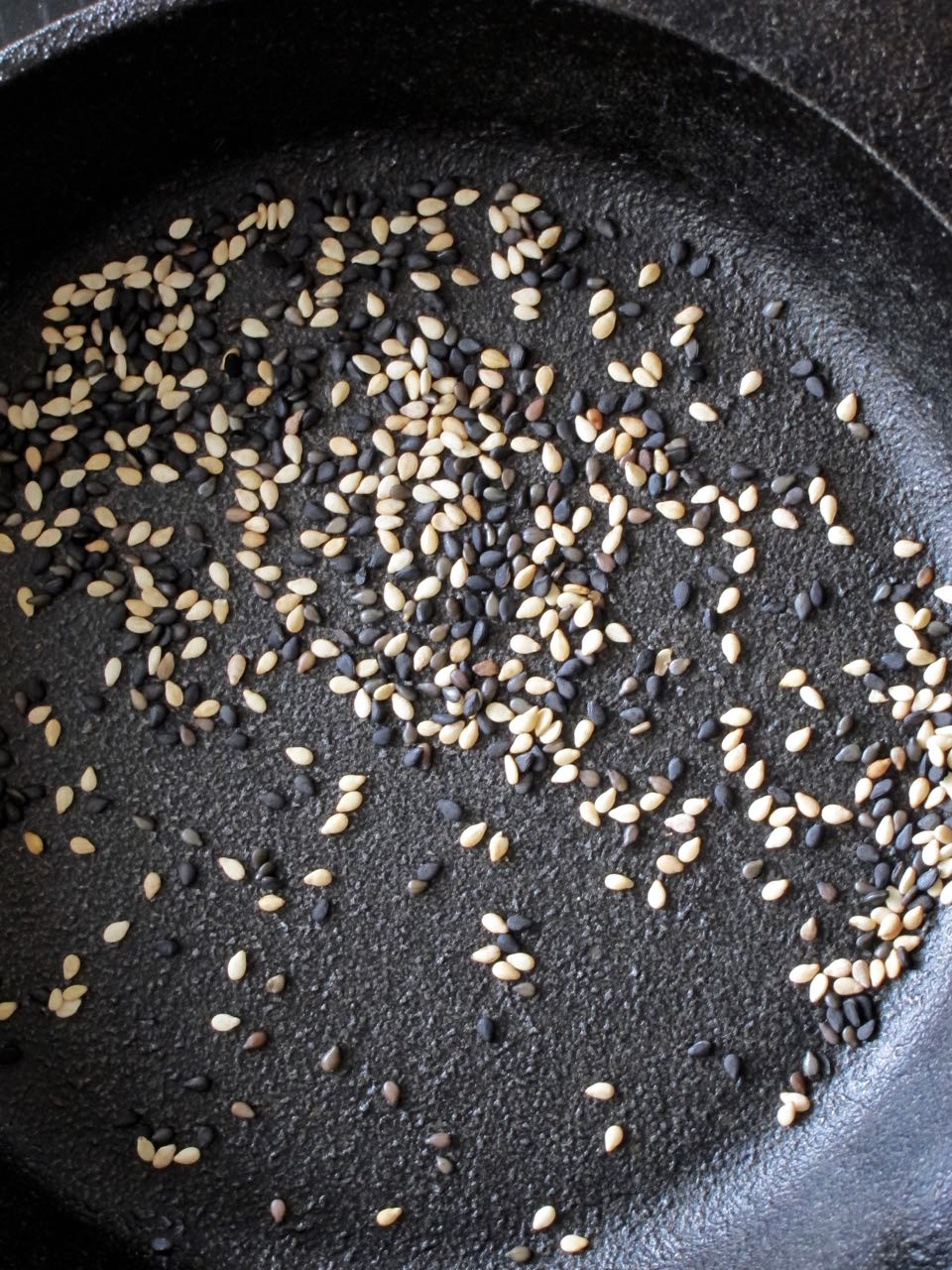 Toasted sesame seeds.jpg