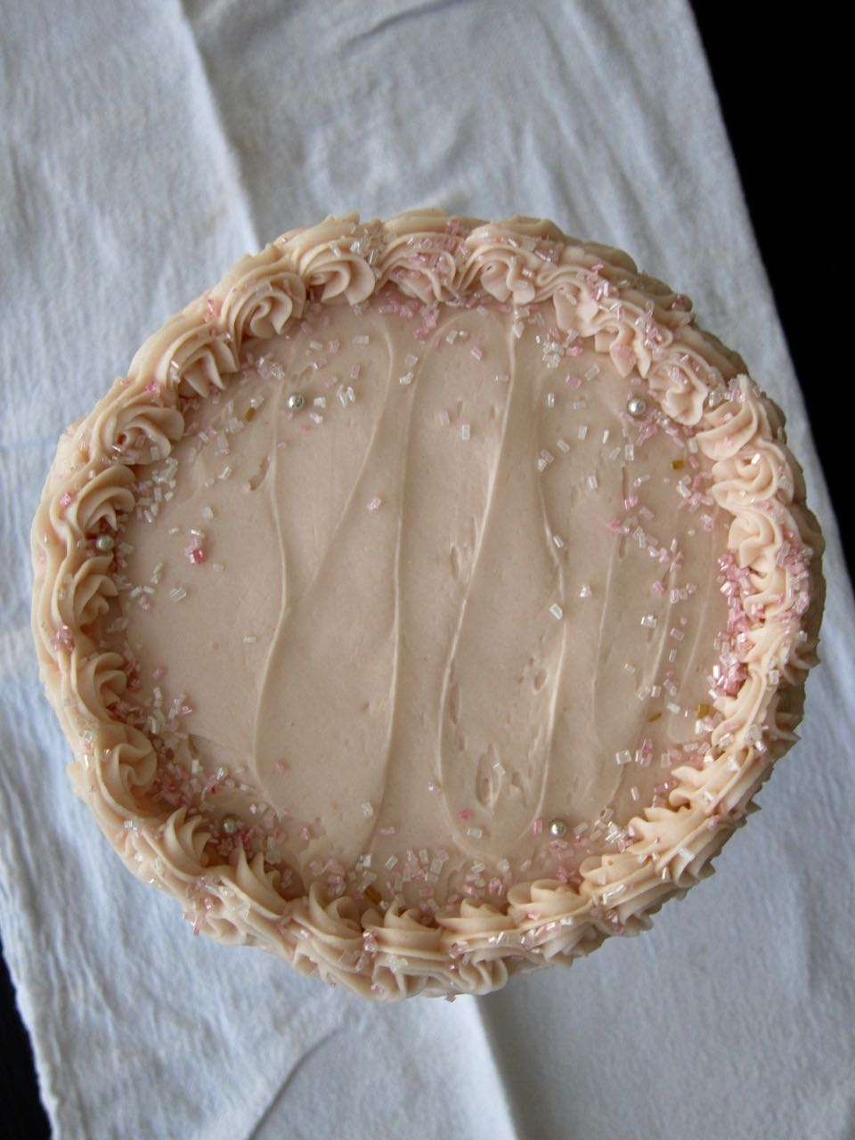 pink champagne cake top view