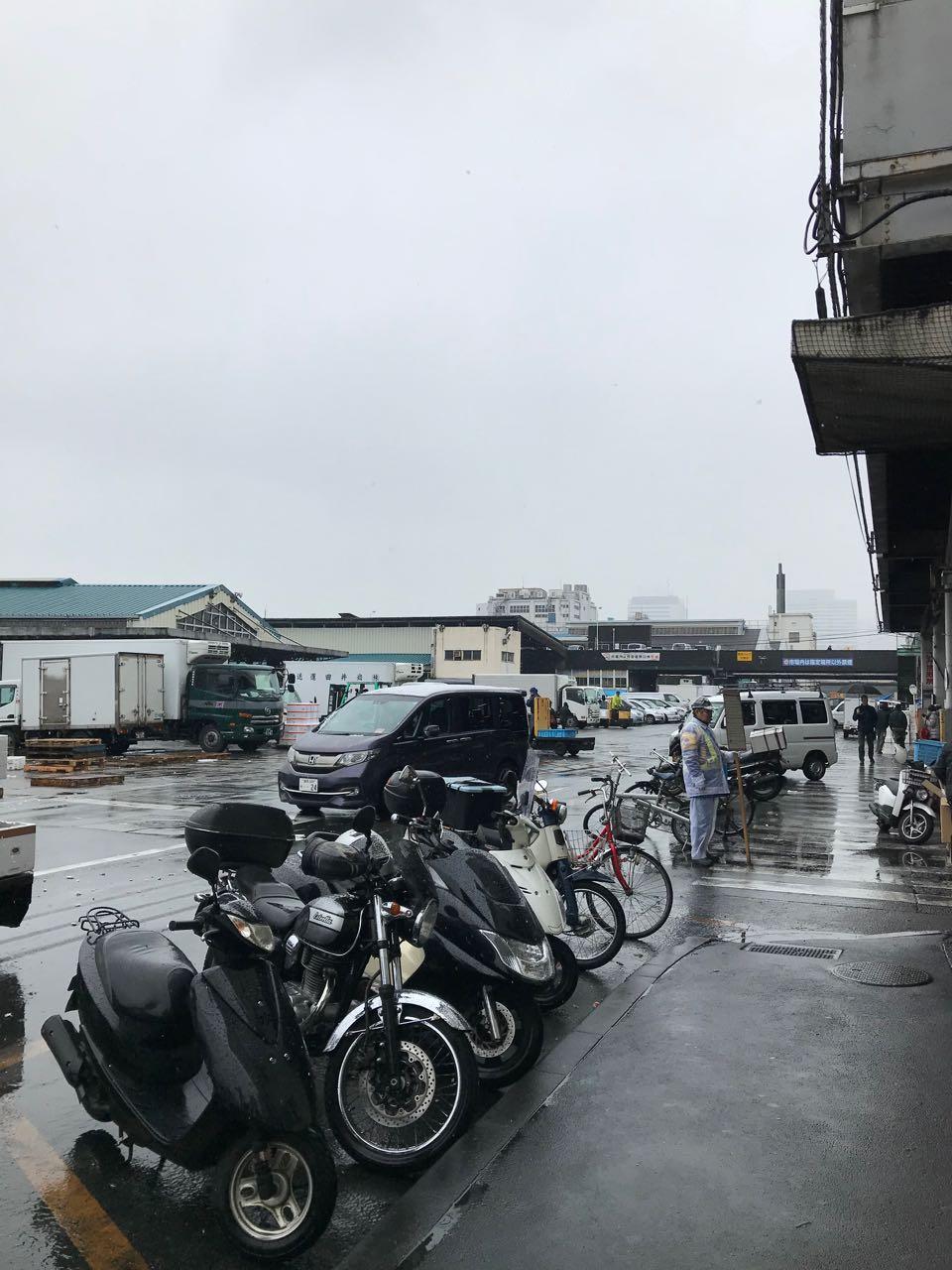 Tsujiki market motorcycles.jpg