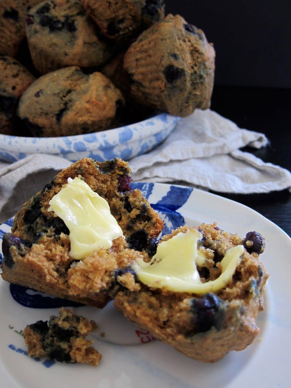 blueberry ginger spelt muffins