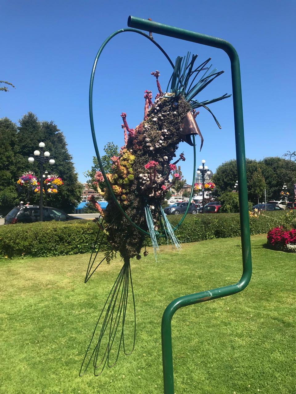 Parrot Topiary.jpg
