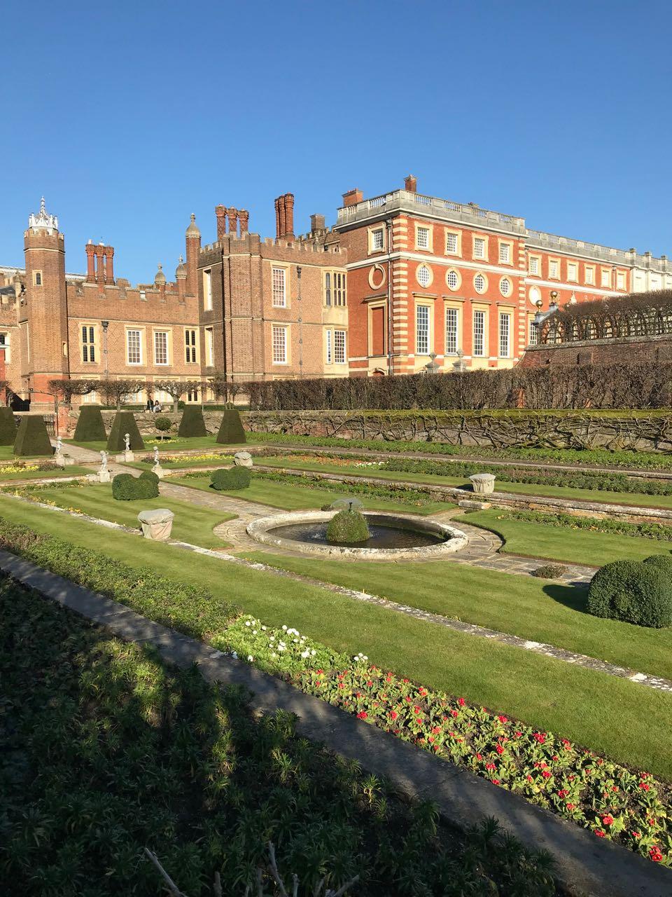 Hampton Court Gardens vertical.jpg