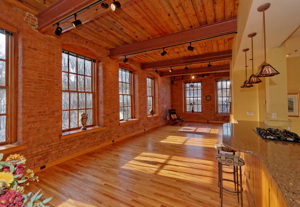 1-Main Room (2).jpg