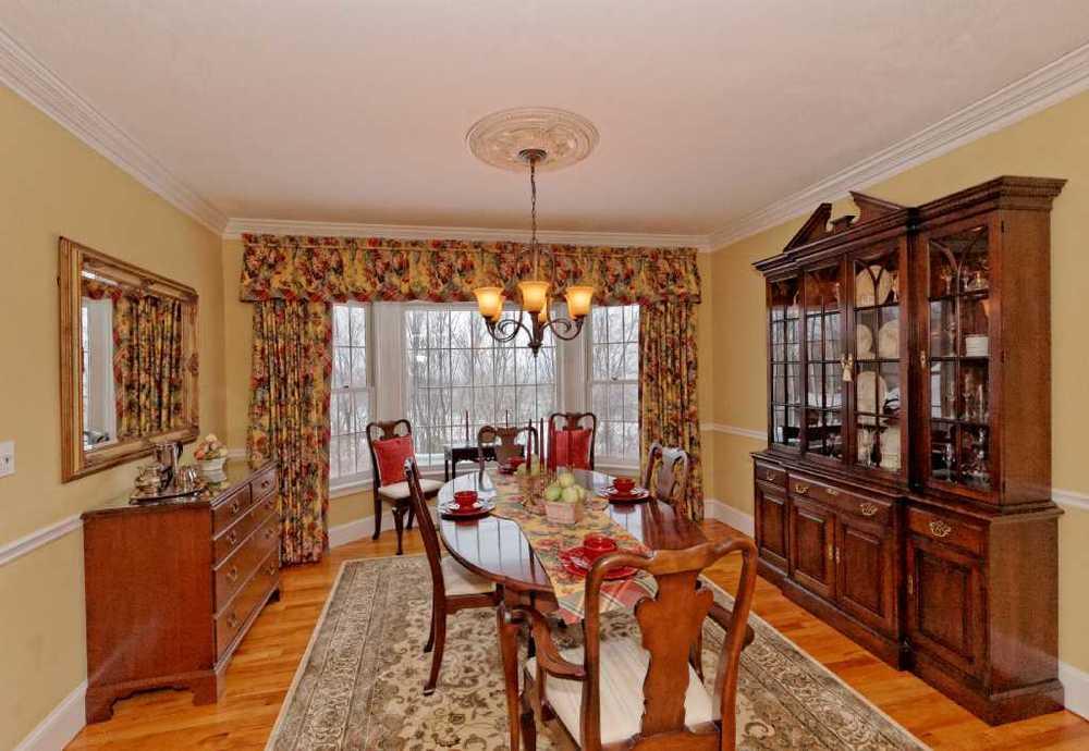 3-Dining Room (1).jpg