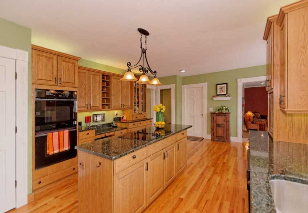 3-Kitchen (2).jpg