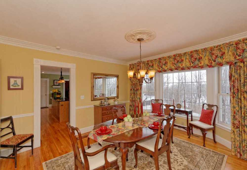 3-Dining Room (3).jpg