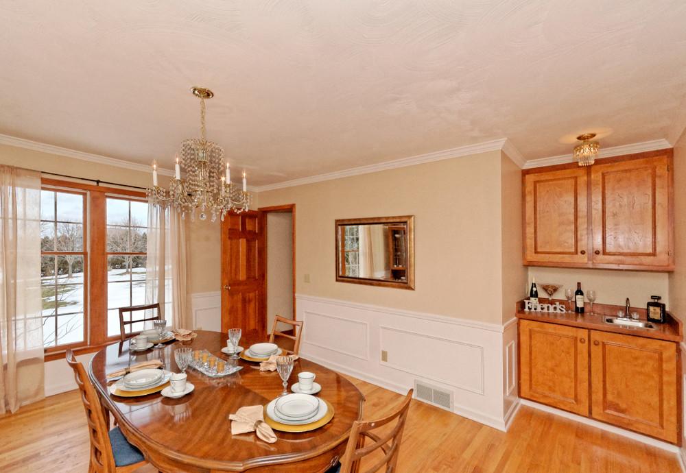 2-Dining Room (1).jpg