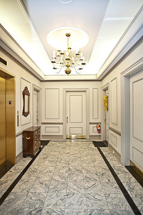 ML211-elevator1 copy.jpg