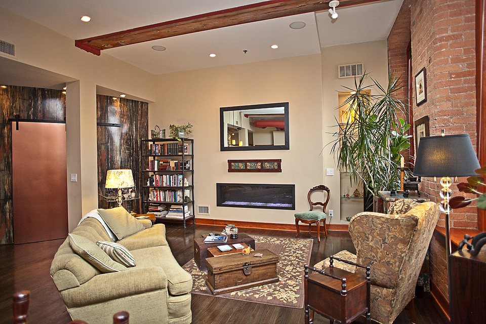 ML211-livingroom2 copy.jpg