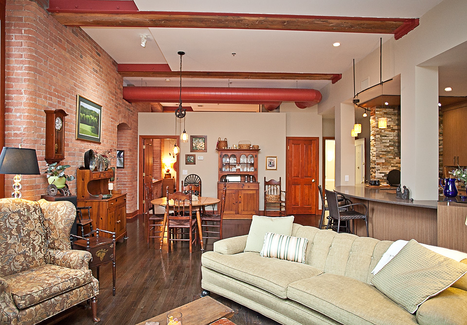 ML211-livingroom3 copy.jpg