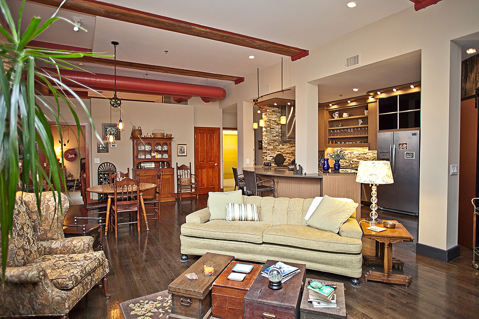 ML211-livingroom4 copy.jpg