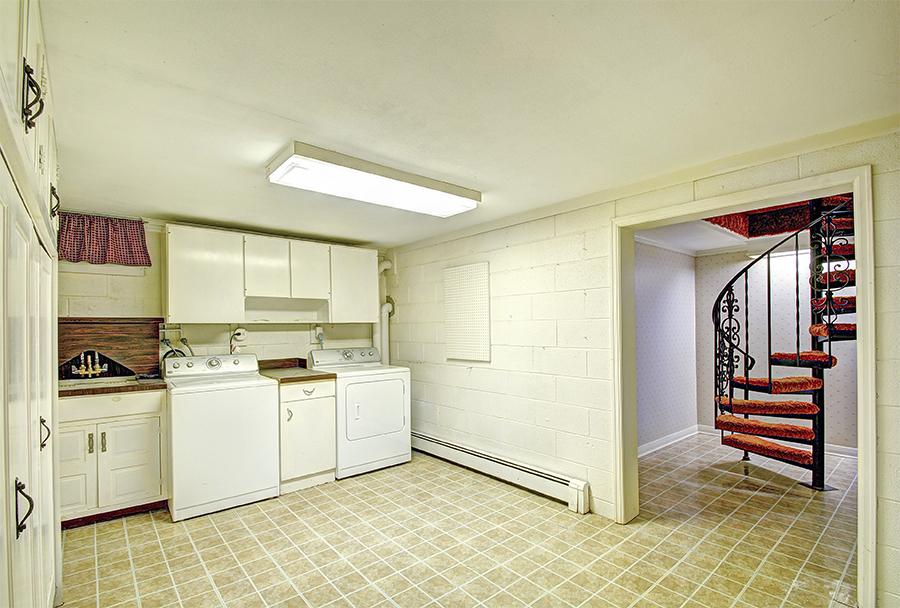 Basement Kitchen.jpg