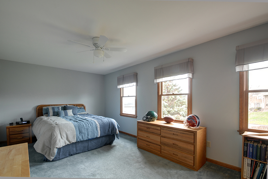 Upstairs Bedroom 2.jpg