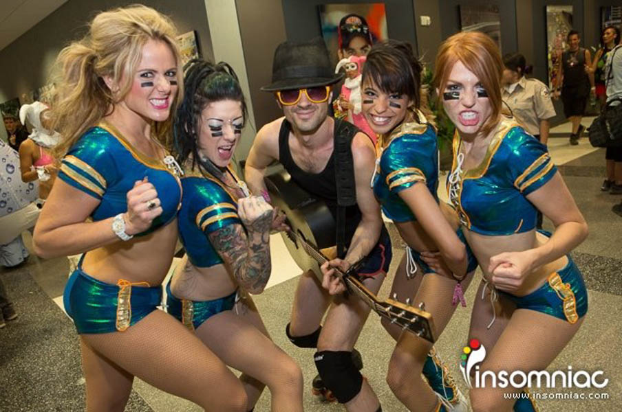 EDC.Vegas.Roller.Girls.guitar-web.jpg