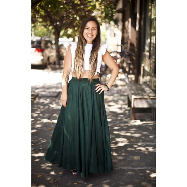 Super fun shoot with the talented @jacqharriet & of course styling #vintage with new is always part of the plan ✨📷  #antoinettevintage #vivaaviva #magnoliacroptop #madeinusa #vintageskirt #express #oneofakind #ootd #Williamsburg #brooklyn #thriftandstyle #jacquelineharrietphotography (at Antoinette)