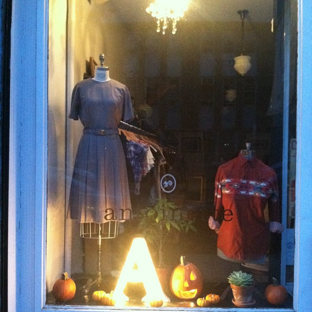 Just a little decor for the window before we get Halloween crazy …stay tuned for our spooky window display 🎃👻  #antoinettevintage #vintage #October #ILoveHalloween  (at Antoinette)