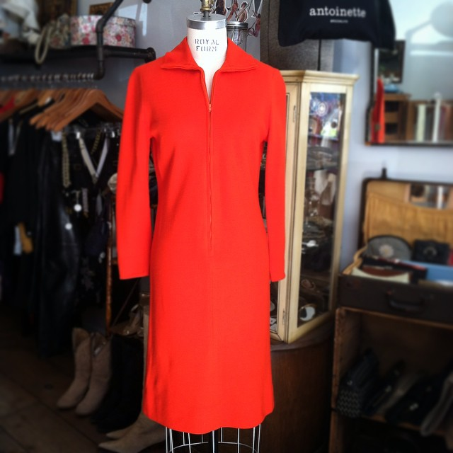 This color couldn't be more perfect for October🔴🔴🔴  #vintage #1960s dress by #ArthurOriginals size S $65   #antoinettevintage #madeinusa #ootd #oneofakind #williamsburg #Brooklyn  (at Antoinette)