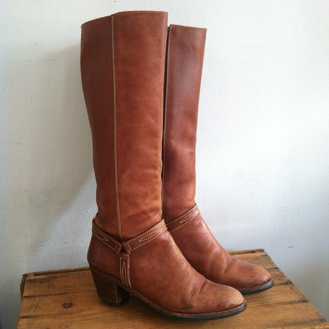 Swooning over these #vintage leather #1970s boots size 8 $70 👢  #antoinettevintage #madeinusa #oneofakind #vintageboots #williamsburg #brooklyn #TuesdayShoesday    (at Antoinette)