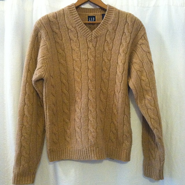 The perfect comfy cozy sweater to keep you warm in 🔥🔥🔥#vintage #1990s by #Gap size S $52100% wool & old Gap quality 👌 *All Vintage is 20% off  (at Antoinette)