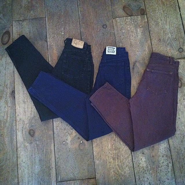 It's #BlackFriday! All #vintage is 20% off today, including these high waisted jeans sizes 2-6 $60 👌  #1980s #1990s #vintagejeans #TheGap #EddieBauer #madeinusa #oneofakind #ootd #shoplocal #williamsburg #brooklyn #antoinettevintage (at Antoinette)