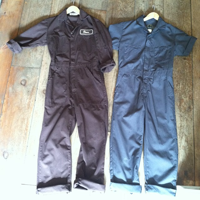 Promised you guys some #vintage mechanic jumpsuits like the one I wore in the recent @brooklynmagazine feature…here you go! 🔧🔨🔒 #antoinettevintage #madeinusa #oneofakind #ootd #brooklynmagazine #FallIssue #vintagejumpsuit #williamsburg #brooklyn (at Antoinette)