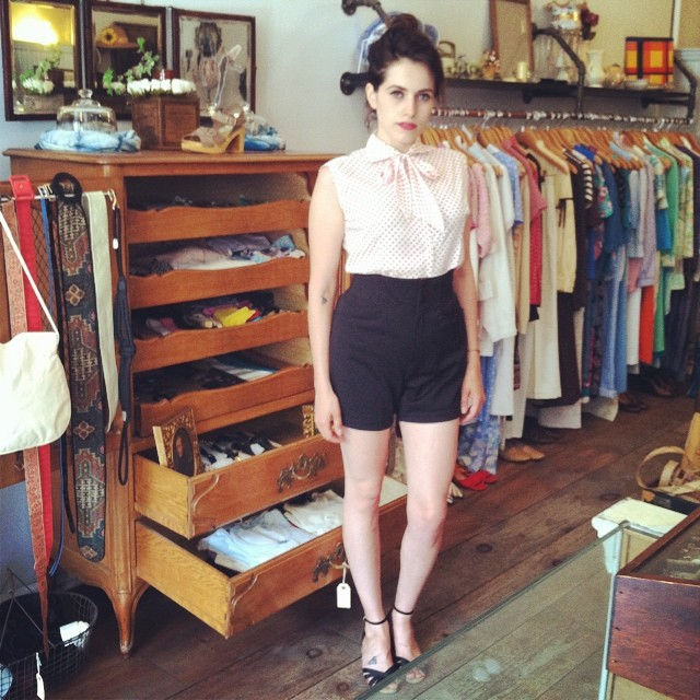 These #1970s shorts & #1960s top are 25% off this week along w/the entire collection of #vintage *including all the new treasures! #AntoinetteBabeSabina #antoinettevintage #madeinusa #oneofakind #ootd #summerstyle #streetstyle #williamsburg #brooklyn #thriftandstyle #vintagesale (at Antoinette)