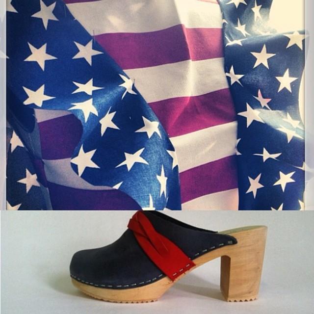 @viva_aviva + @ninaznyc = July 4th Outfit complete 🇺🇸🗽🎆#magnoliacroptop IdaClog #antoinettevintage #madeinusa ootd #streetstyle #vivaaviva #ninaz summerstyle #July4thstyle #independenceday #usa #madeinbrooklyn #madeinnyc #shoplocal #williamsburg #brooklyn #thriftandstyle  (at Antoinette)