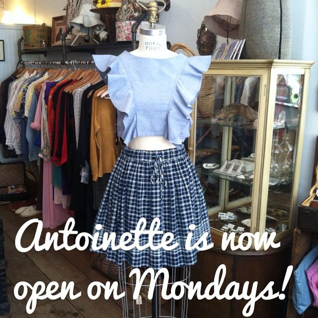 You're reading it right! We're now open 7 days a week! Monday-Saturday 12-7pm & Sunday 12-6pm #antoinettevintage #vintage #vivaaviva #laselvaclothing #madeinusa #oneofakind #ootd #brooklyn #streetstyle #thriftandstyle #nofilter (at Antoinette)