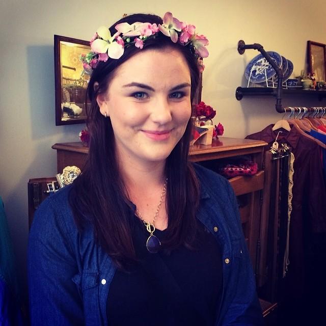 Regram from @amariel__ … teardrop flower crown going home with this #antoinettebabe #brooklyn #flowercrownsbyam (at Antoinette)