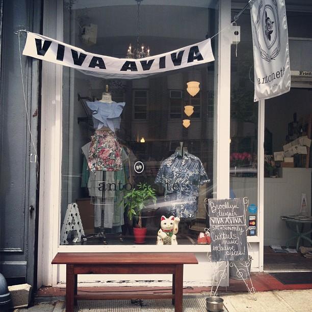 Just started serving Spiked Lavender Lemonade Cocktails made by the designer @viva_aviva herself! #antoinettevintage  (at Antoinette)