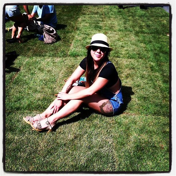 Grass on Bedford Ave. #antoinettevintage #ninaz #clogs  (at Williamsburg Walks)