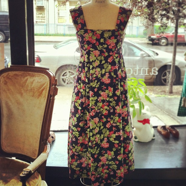 Pretty park strolling dress #vintage size XS $60 (at Antoinette)