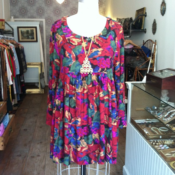 The Perfect amount of floral & color- #vintage early 90's dress $52 , 80's gold tone medallion chain $60 (at Antoinette)
