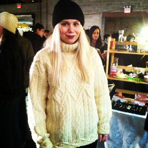 Rachel, a NYC Blogger just picked up this #vintage Gap sweater @bkbazaar #bkbazaar (at Brooklyn Night Bazaar)