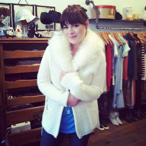 Our adorbs customer Amy is taking mom's vintage sweater back home to Seattle @lebronames (at Antoinette)