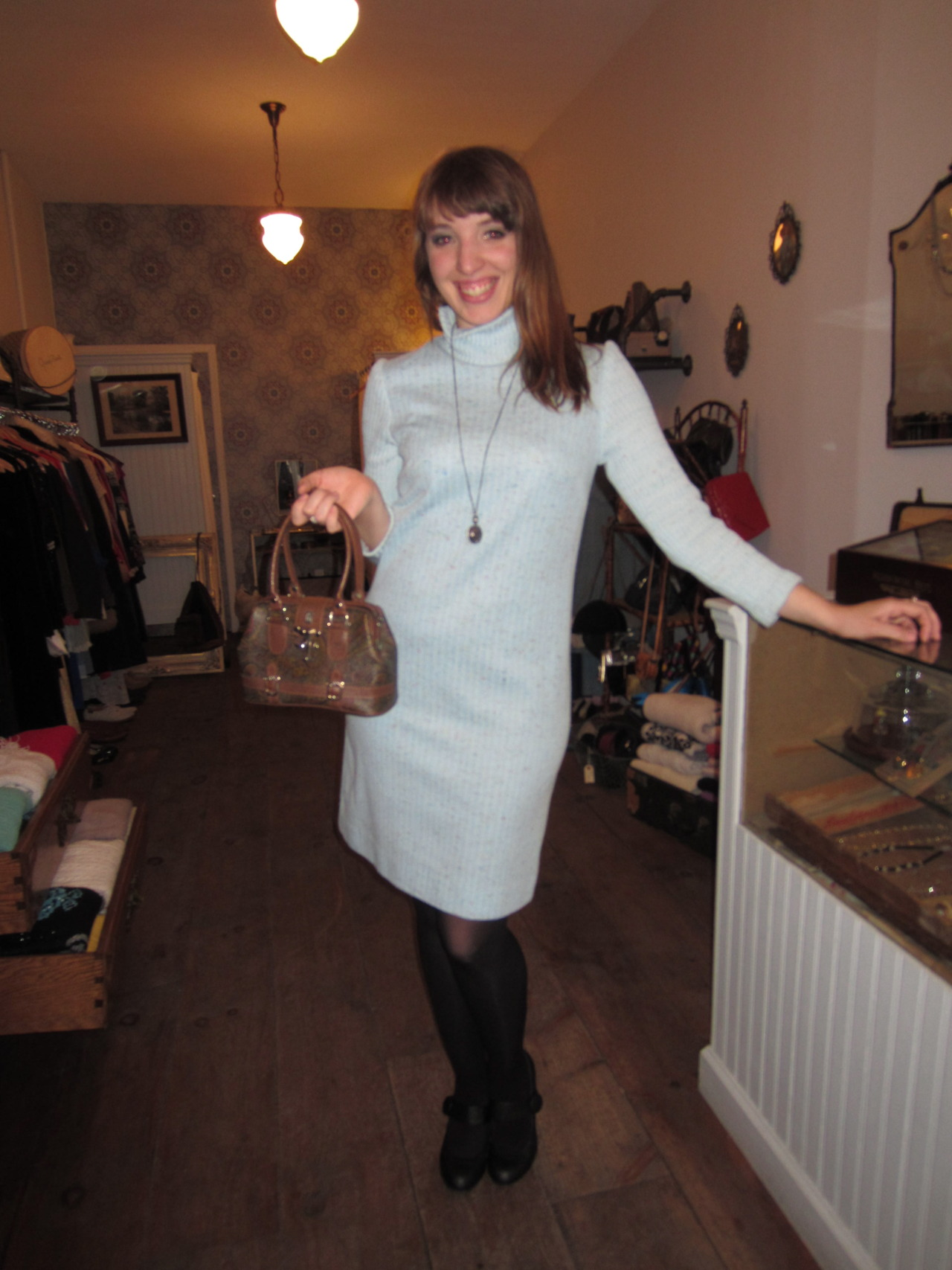 How cute does Anna look in her dress & bag she got at antoinette?!