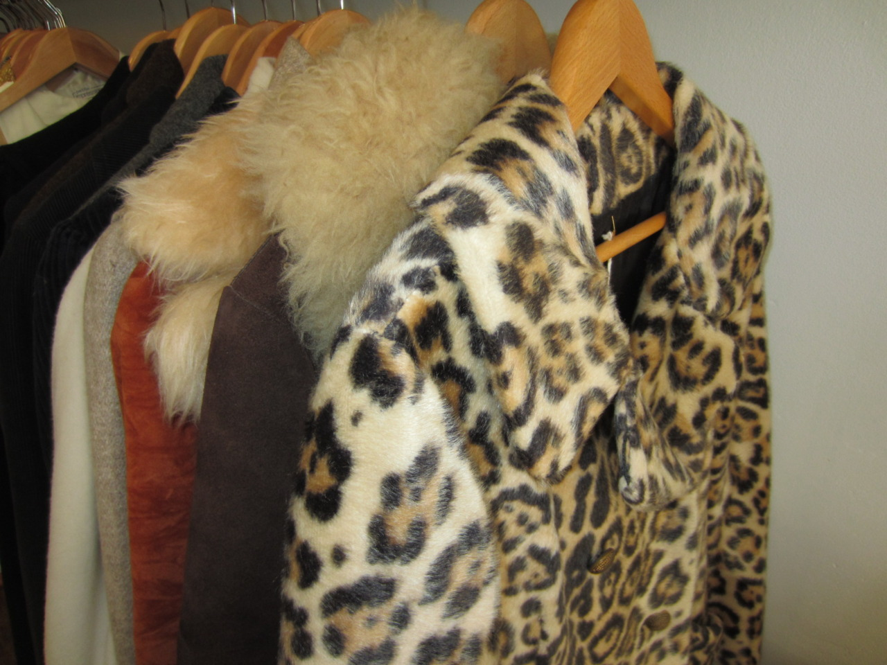 The weather will finally be feeling more like Fall this weekend.   This Friday, September 30th all COATS, JACKETS, VINTAGE FURS & more Fall Merchandise will be here!   Stop by the shop to see what's arrived!   XO antoinette