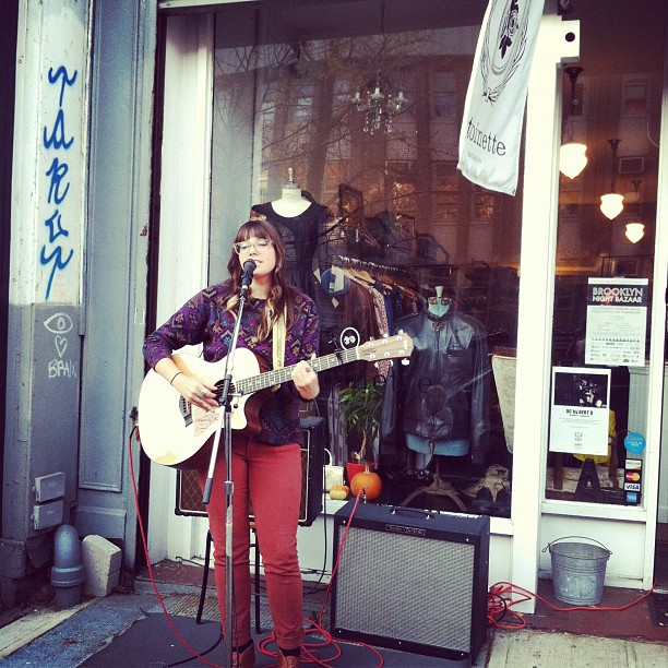 @vintagecrawl the beautiful Tea Leigh performing live (at Antoinette)