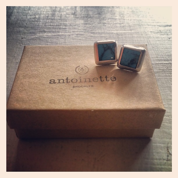 Gents, check out these #vintage 1970's genuine silver turquoise studs…they make great last minute x-mas gifts for your lady friends! (at Antoinette)