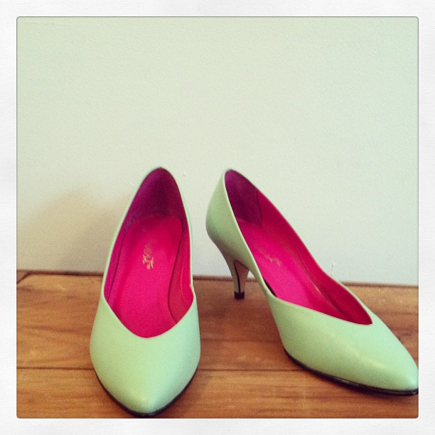 "Minty #vintage #ninewest genuine leather pumps size 7 (2 ½"" kitten heel) (at Antoinette)"
